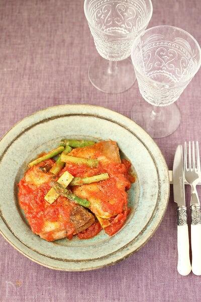 ぶりとアスパラガスのトマト煮