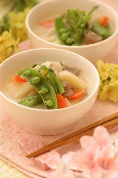 具沢山のミルクジンジャー白味噌スープ