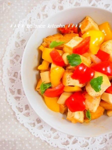 生姜香る パプリカと厚あげの和風トマト炒め