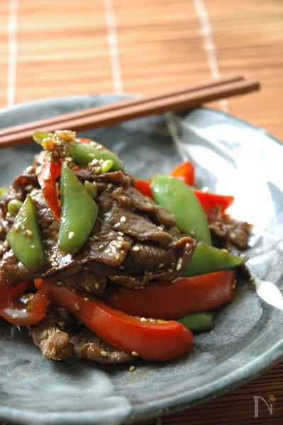 スナップエンドウと牛肉のハチミツ炒め。