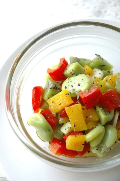 空豆とキウイのマリネ。