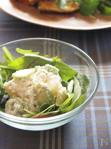 空豆と新じゃがのガーリックチーズサラダ