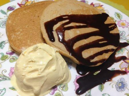きな粉と豆乳のパンケーキ ~アイスクリーム添え~
