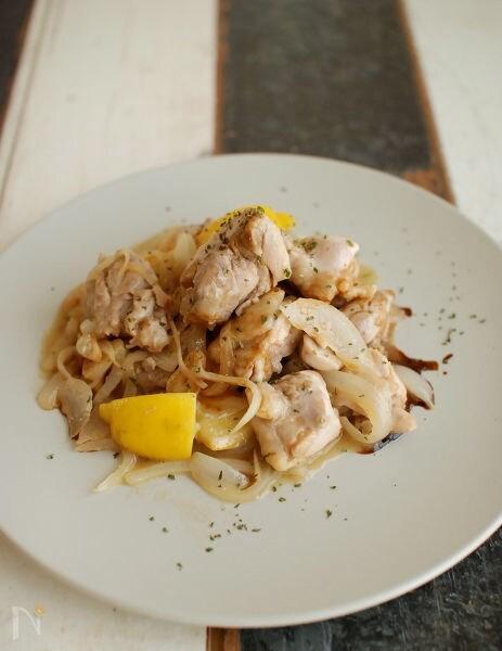鶏もも肉のジューシーレモンバター醤油ソテー