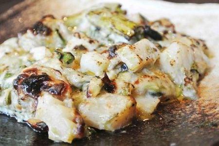 魚貝と芹の岩のりチーズ焼き
