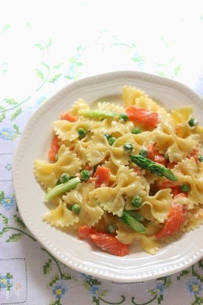 サーモンと春野菜のクリームパスタ