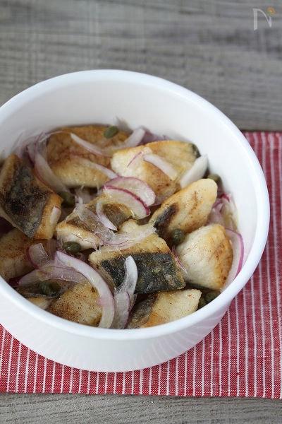 鰆と紫玉ねぎの花椒焼き