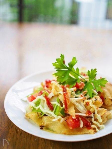 野菜と混ぜ合わせて簡単!お皿でトルティーヤ