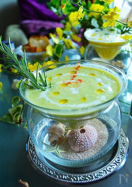 ゴールドラッシュと野菜たっぷりふわふわ冷製ポタージュスープ