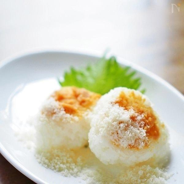 味噌とパルミジャーノ・チーズ焼きおにぎり