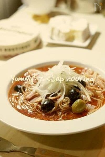 10分で出来ちゃう!野菜ジュースで作る、冷たいスープパスタ