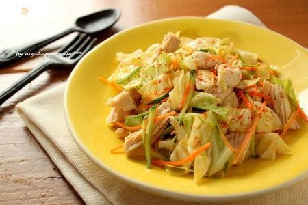 キャベツと蒸し鶏のごまサラダ