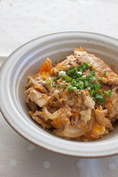 お豆腐たまご丼