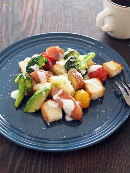 シーザーサラダのレシピ大集合!ドレッシングの作り方も公開の画像