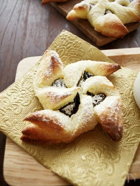 フィンランドのクリスマス菓子プルーンのパイ、ヨウルトルットゥ
