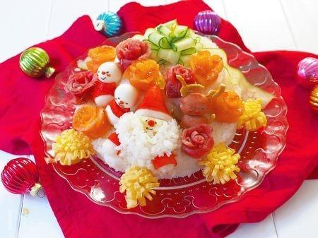 子供が喜ぶ!クリスマスにぴったりの寿司ケーキ