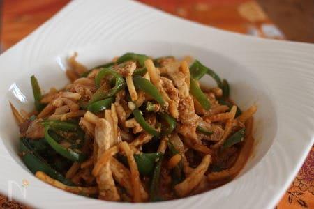 焼肉のタレで韓国風チンジャオロース