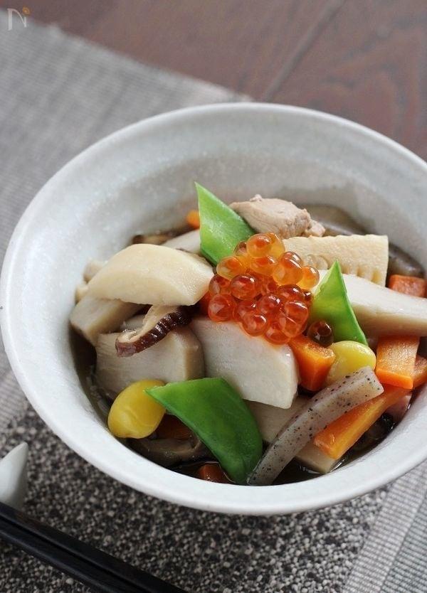 和食器に盛られたのっぺい汁