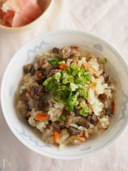めんつゆで簡単炊き込みご飯