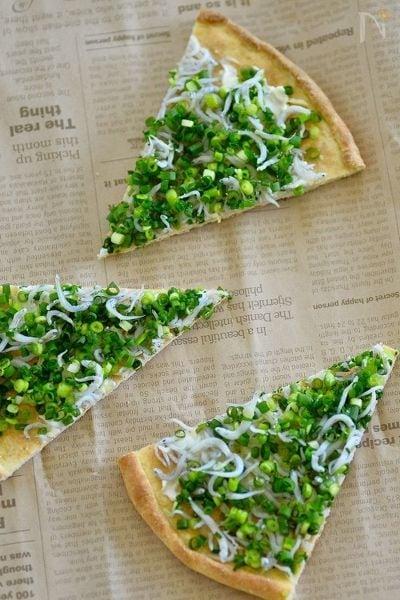 4.シラスとクリームチーズのピザ