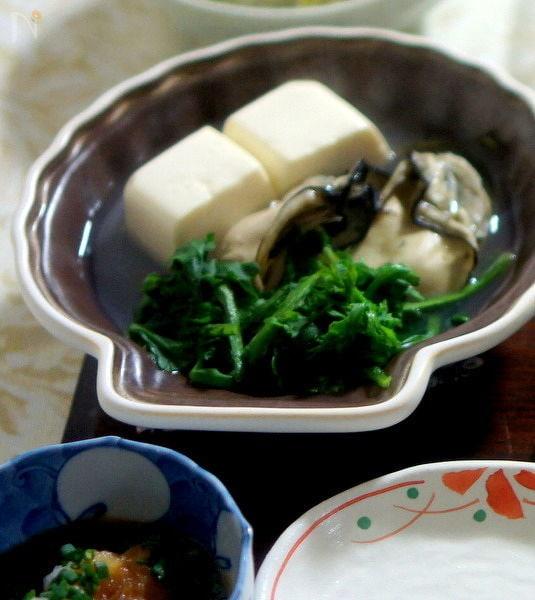 牡蠣と豆腐のちり蒸し