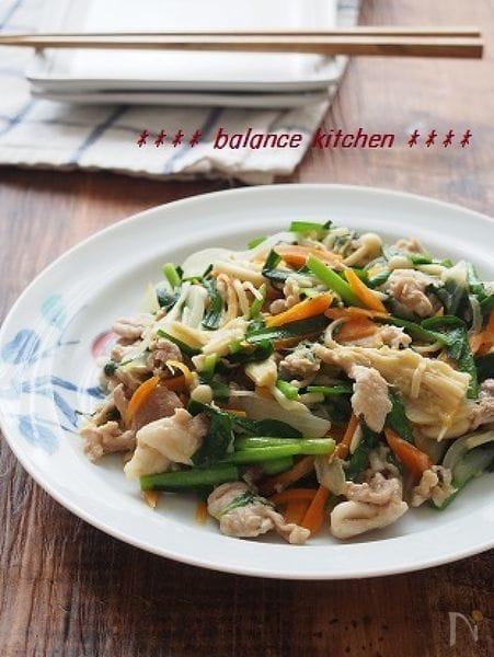 夏バテさんの野菜炒め  豚肉とにらのシソ風味いため