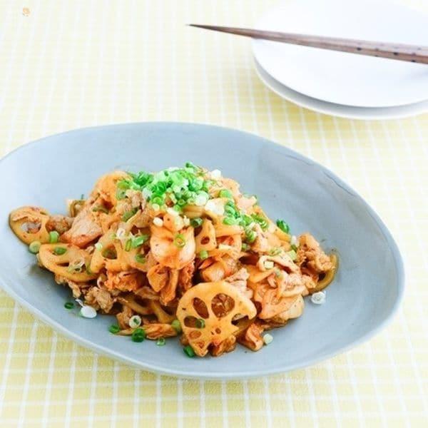野菜をプラス!豚キムチ、レンコン炒め