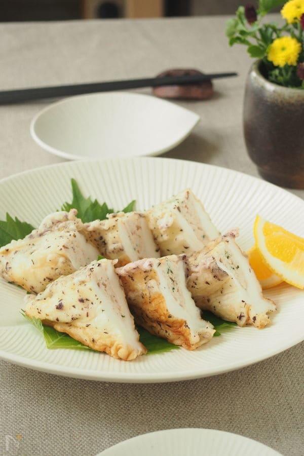 鶏ひき肉のゆかりはんぺんはさみ揚げ