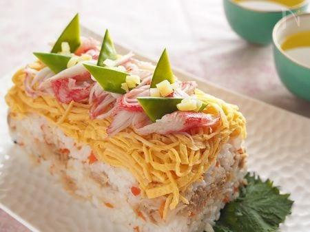 ロールケーキのケースでケーキ寿司〜切干大根の甘酢煮とツナ〜