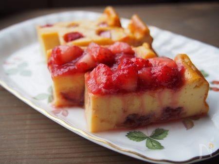 1. いちごとルバーブジャムのヨーグルトケーキ