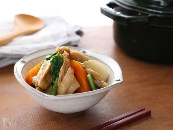 鶏手羽中と2種の野菜のさっぱり煮