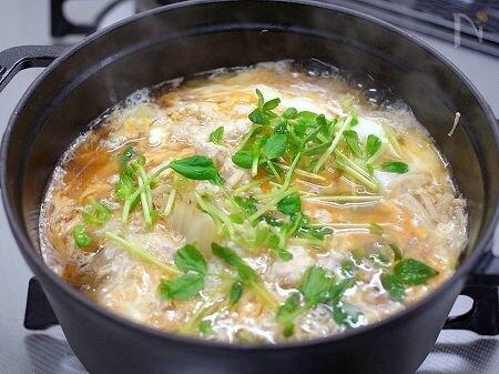 ストウブ鍋で「白菜の親子煮」