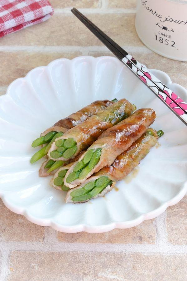 お弁当に〜♪にんにくの芽豚肉巻きソテー