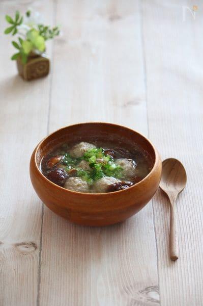 生姜鶏団子とカブのみそれスープ。