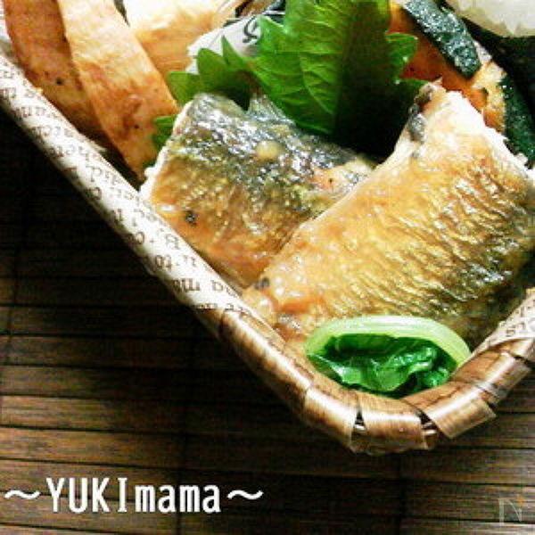 2. 秋刀魚のガーリックソテー甘味噌ソース煮