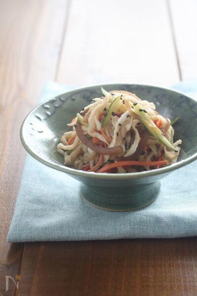切り干り大根と黒酢玉ねぎのサラダ