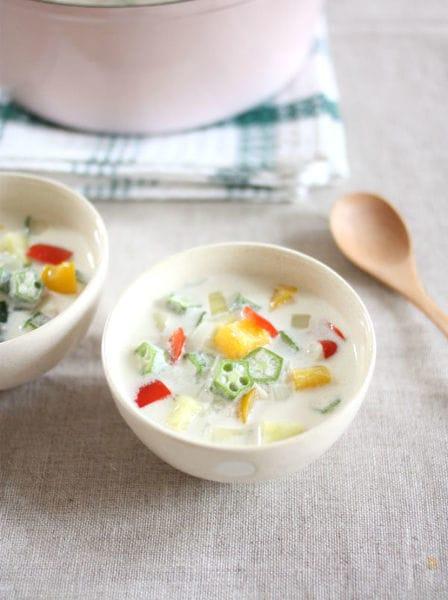 夏野菜のガンボスープ・ココナッツ風味