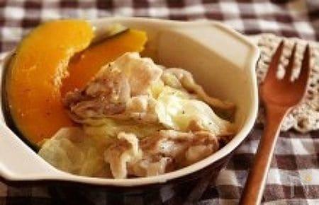 キャベツと豚バラのレモンバター蒸し