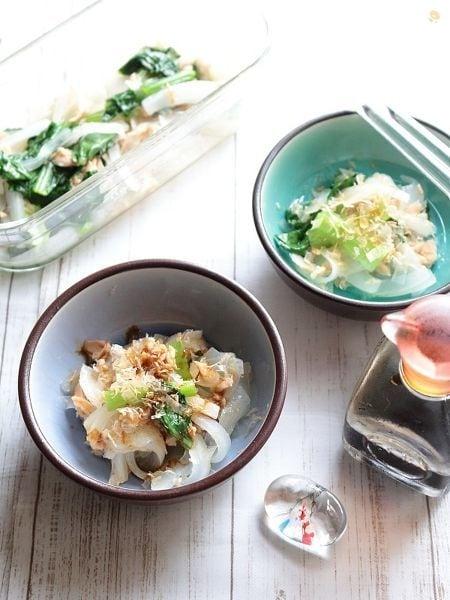 レンジで3分!玉ねぎと小松菜のツナとおかか醤油和え