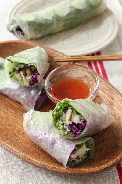 パルミジャーノレッジャーノと生野菜のサラダ春巻き
