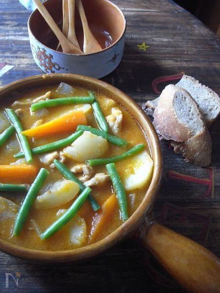 豚バラとカブのナヴァラン風オーブン煮込み