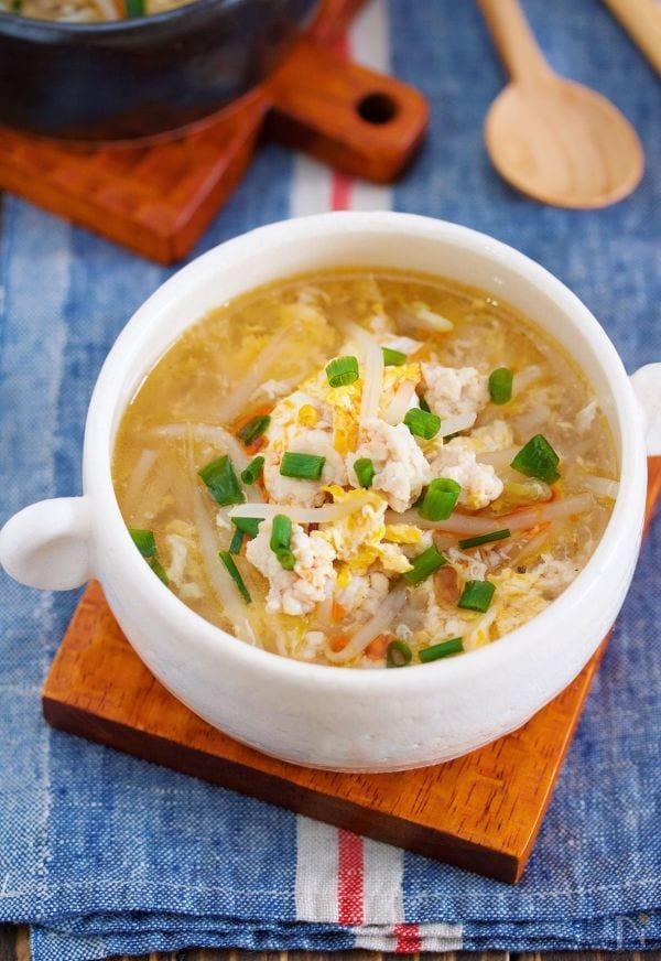 包丁いらず♪『鶏ひき肉ともやしのかき玉スープ』