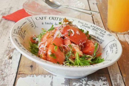 蒸しじゃことトマトのサラダ