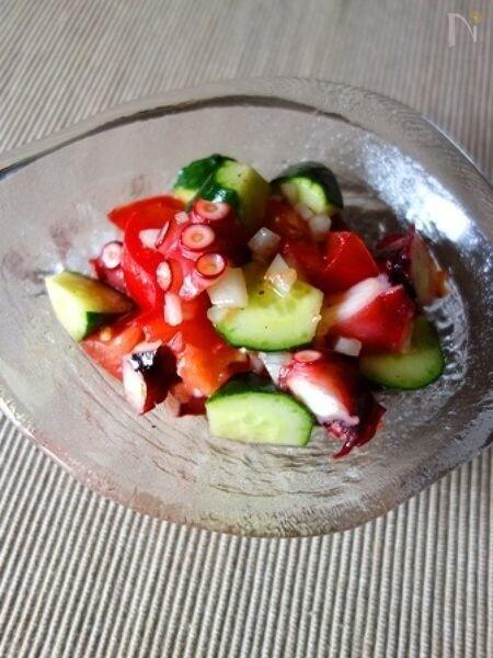 きゅうりとトマトとタコのイタリアンサラダ