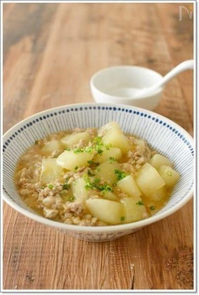 3. 白菜と大根の中華スープ