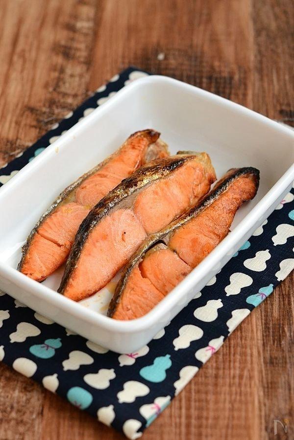 ふっくら鮭の塩焼き