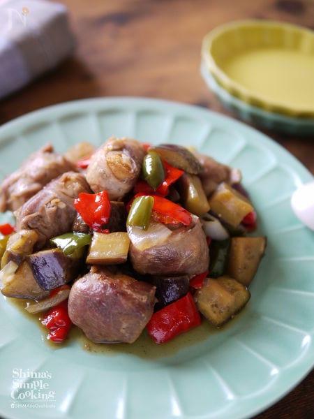 150gで4人分|節約|【夏野菜と豚厚揚げ角煮の黒酢炒め】