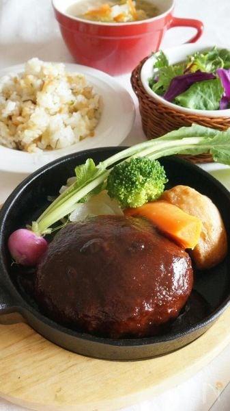 2 ナツメグ入り♩王道ハンバーグ
