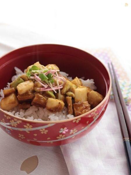 長芋とアボカドのうすさつ丼