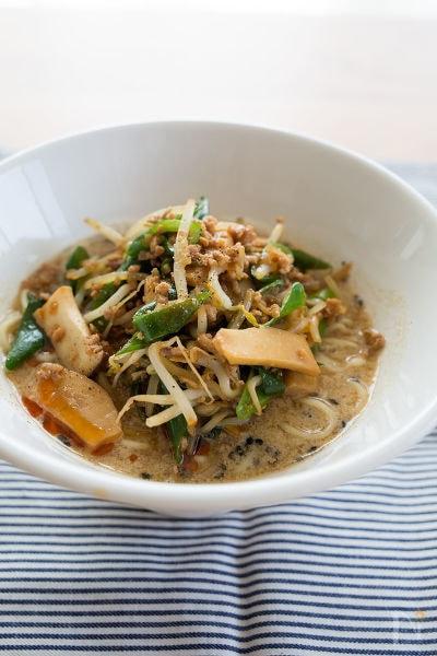 黒ごま豆乳担々麺